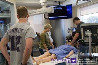 Team 2 decides to intubate during Simulation station of Sono Games